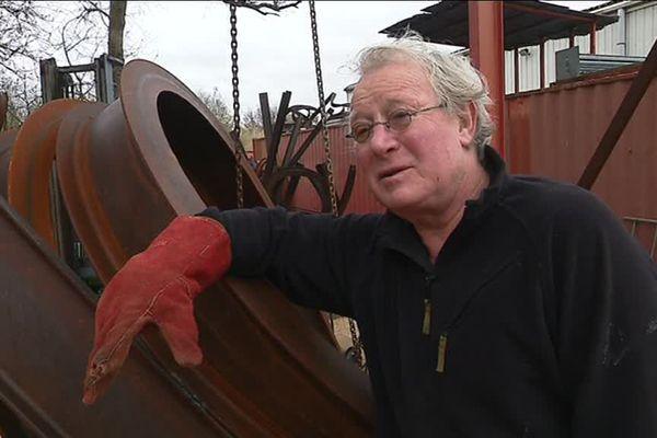 Ancien rugbyman, Jean-Pierre Rives est devenu un sculpteur reconnu.