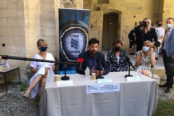 Roselyne Bachelot a dévoilé  le nom du nouveau directeur du festival, Tiago Rodrigues.