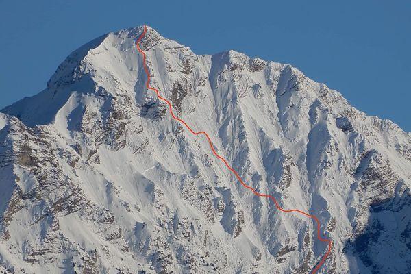 Le tracé rouge représente le chemin emprunté par Paul Bonhomme pour descendre la face ouest du Mont Pouzenc.