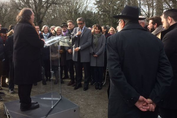 Pour commémorer les 75 ans de la libération du camp d'extermination d'Auschwitz-Birkenau, une cérémonie s'est tenue ce lundi matin au mémorial de la Shoah de Toulouse.