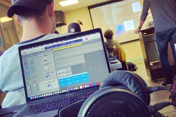 Composition de musique et enregistrement en studio au programme du club ados de Nancy 2021