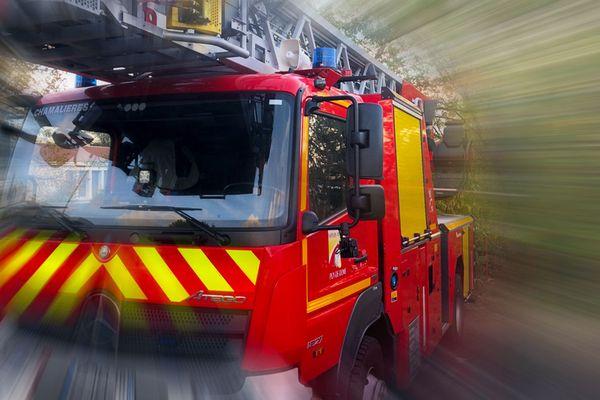 Ce samedi 17 avril, aux environs de 16h30, un incendie s'est déclaré dans un stockage de pneus de 150 m² à Clermont-Ferrand.