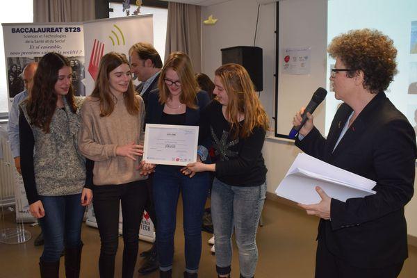 Manon, Lauryne, Ilona et Zoé sont qualifiées pour la finale de Start'up Lycée à Chicago.