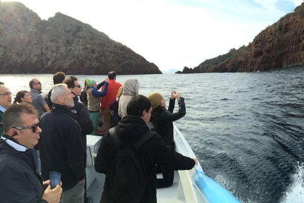 Avec ses 300 000 euros de budget, Scandola a depuis longtemps cherché à diversifier ses ressources financières avec des fondations, des agences de lots et des taxes sur les passages de bateaux de promenade.