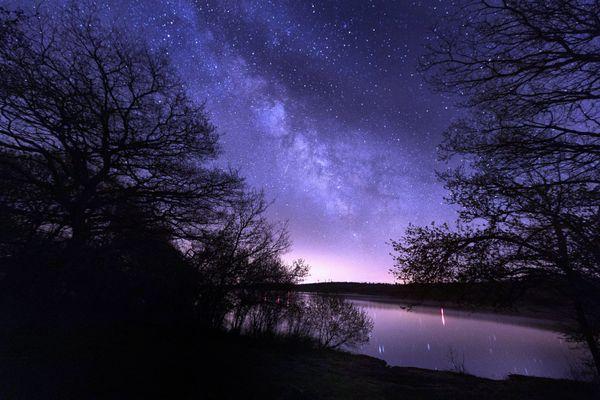 Le Jour de la nuit est l'occasion de redécouvrir l'obscurité et d'observer à nouveau les étoiles dans le ciel, et c'est bon pour l'environnement.