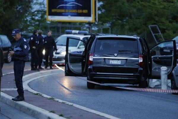 Le 6 mai 2014, devant l'hôpital l'Archet de Nice. Hélène Pastor et son chauffeur vienne d'être abattus. Une longue enquête débute, qui aboutira au procès de huit accusés devant la cour d'assises des Bouchez-du-Rhône, en septembre 2018.