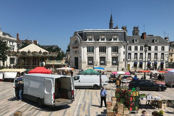 Orléans, Place du Martroi