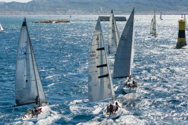 Des voiliers lors d'une régate à Marseille en septembre 2015.