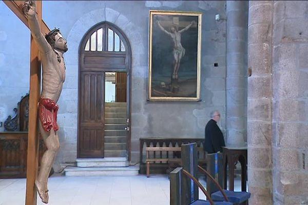 A la cathédrale de Tulle, l'électricité et le système de sécurité incendie ne sont plus aux normes depuis longtemps.