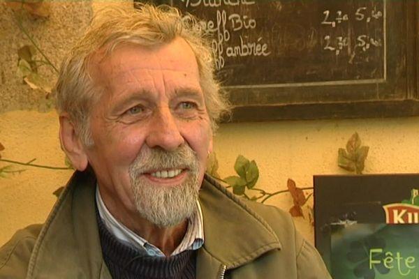 """Mikaël Youank en 2013, invité pour la série """"A travers chants"""" diffusée sur France 3 Bretagne"""