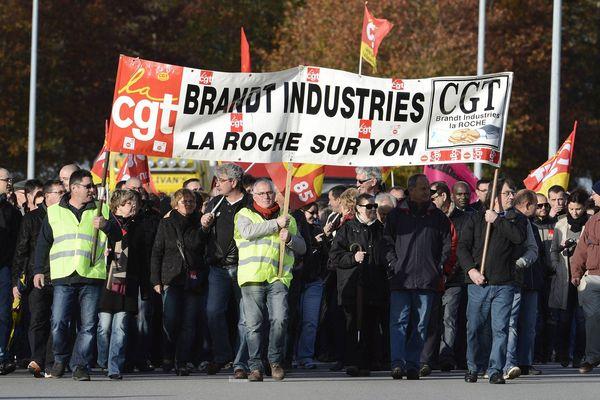 Les salariés de FagorBrandt en manifestation à La Roche-sur-Yon en novembre 2013