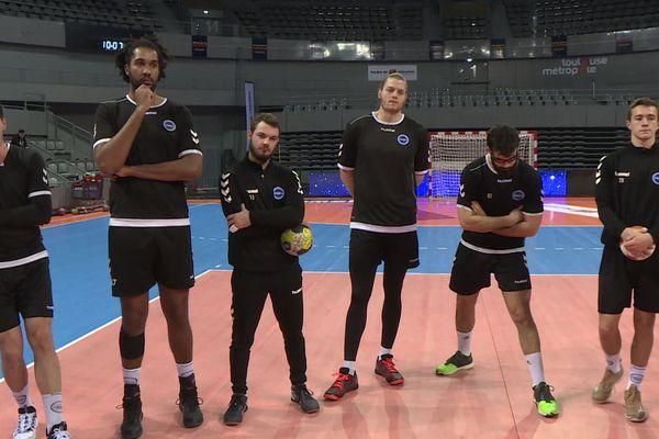 La suspension du championnat par la LNH a contraint les joueurs du Fenix handball à renoncer au match au sommet contre Nantes.