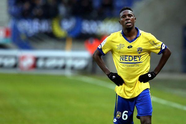 """Le joueur du FC Sochaux, Ousseynou Thioune accuse le gardien Valenciennois de lui avoir dit : """"Casse-toi sale noir""""."""