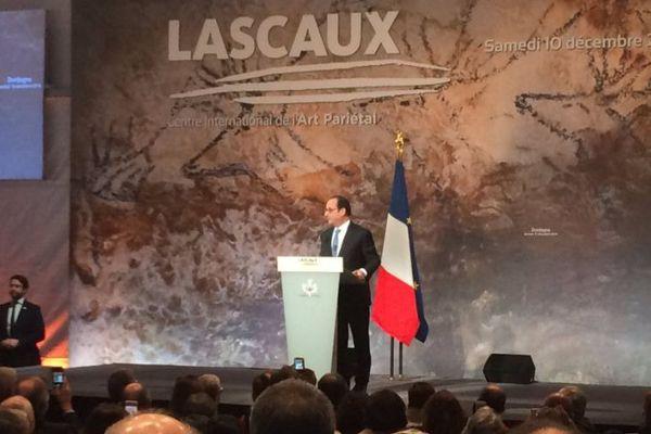 François Hollande a inauguré samedi le Centre international d'art pariétal de Montignac en Dordogne