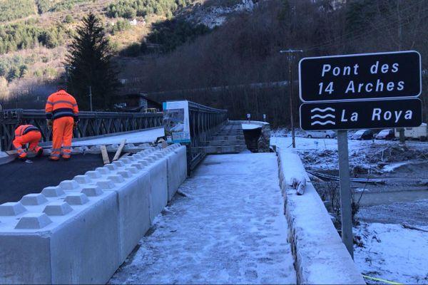 Ce pont relie la route départementale 6204 au village et remplacera l'ouvrage d'art détruit pendant le passage de la tempête Alex ce 2 octobre dernier.
