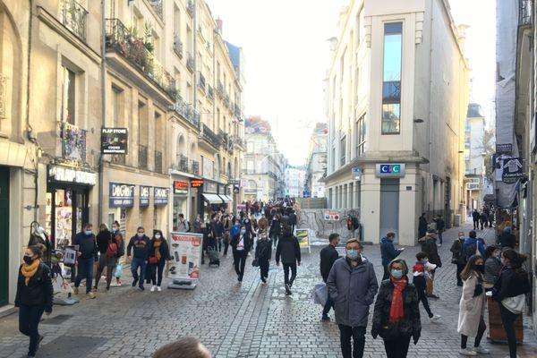 Il y avait bien plus de magasin ouverts et de clients le samedi à Nantes.