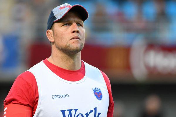 L'entraîneur des avants Dewald Senekal vient d'officialiser son départ du FC Grenoble.