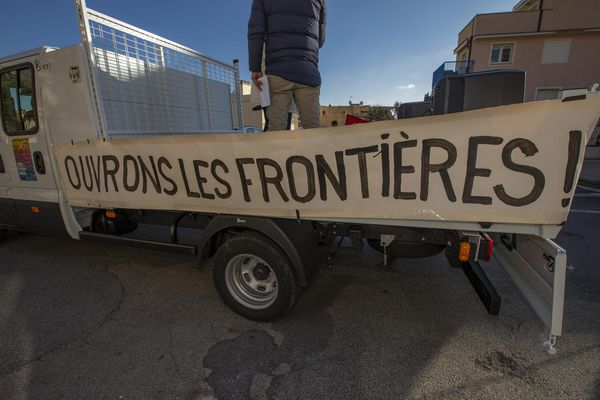 En cette journée internationale des migrants, le collectif ASFT projettera en plein air un film de sensibilisation dans des différents lieux publics de la ville de Tours