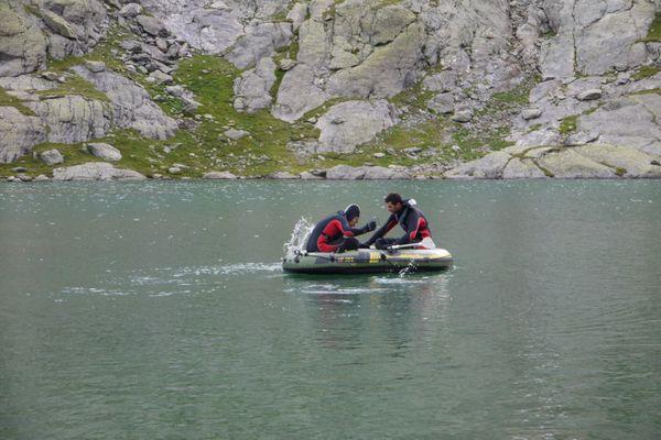 Prélèvements au lac du Mont-Coua