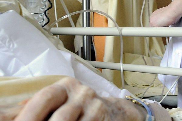 La maman de Thérèse est en fin de vie, dans une unité de soins palliatifs.