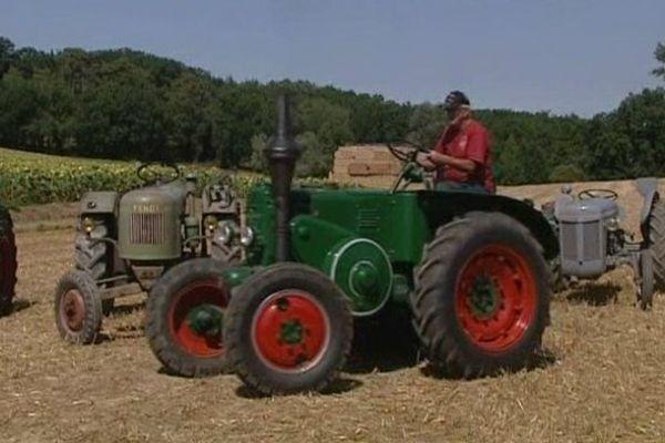 Vieux tracteurs à Beaupuy dans le Lot-et-Garonne