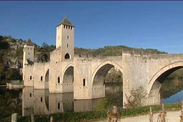 Pont Valentré, 1er pont à visiter absolument dans sa vie...