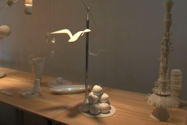 Une exposition d'Esprit Porcelaine, collectif d'artistes