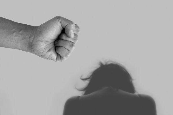 La violence faite aux femmes est redoutée durant la période de confinement.