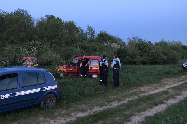 Les gendarmes recueillent les premiers éléments de l'enquête.