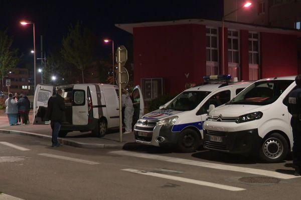 La police présente après le tir mortel de ce 17 mai dans le quartier de Planoise à Besançon.