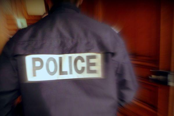 Policier de Rouen- Archives