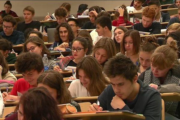 Aujourd'hui l'université de Limoges compte 16 000 étudiants et 600 chercheurs