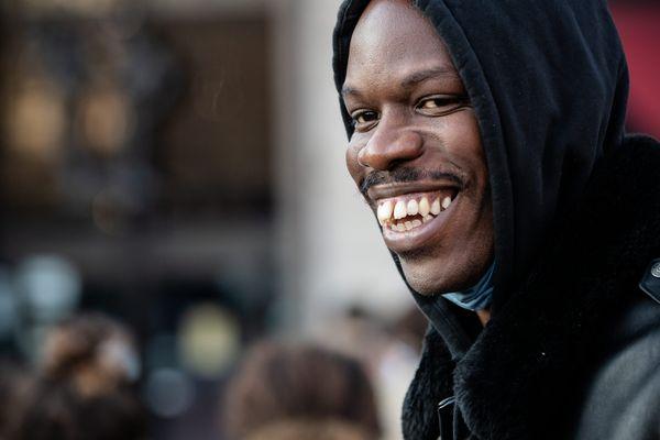 """Jean-Pascal Zadi nominé deux fois aux Césars pour """"Tout Simplement Noir"""""""