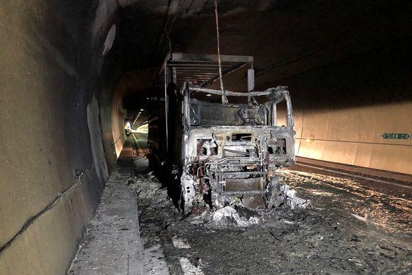 Un camion a pris feu dans le tunnel de Chamoise, ce mardi 25 mai vers 5h15
