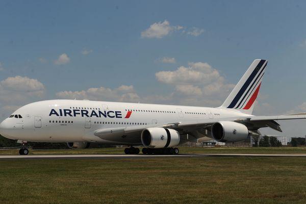 Une des conséquences de la crise du coronavirus : Airbus a annoncé mercredi 20 mai la fin prématurée de l'exploitation de l'A380.