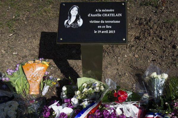 Une plaque commémorative a été dévoilée à la mémoire d'Aurélie Châtelain, dimanche à Villejuif, où la Caudrésienne a été tuée le 19 avril 2015.