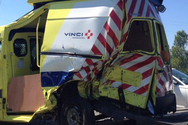 Un véhicule Vinci percuté au cours d'une intervention.