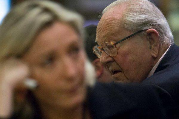 Marine Le Pen opposée à la candidature de son père tête de liste en Paca.