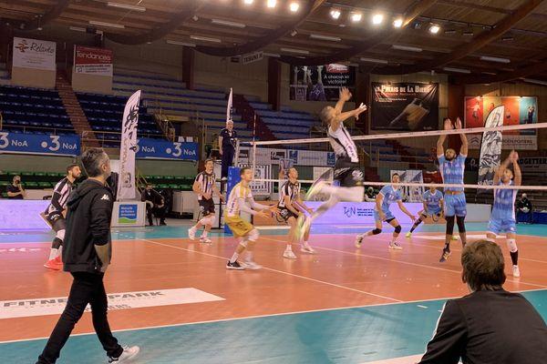 Victoire du Stade Poitevin Volley trois sets à deux face à Montpellier