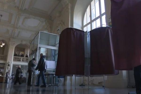La circulation dans les bureaux de vote, une question cruciale pour beaucoup de communes