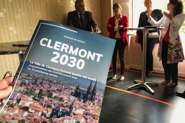 Olivier Bianchi la maire de la ville de Clermont-Ferrand a présenté son budget avec son équipe municipale