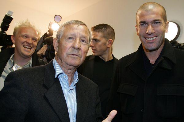 Raymond Kopa et Zinédine Zidane en 2007.