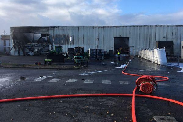 Situé à Portet-sur-Garonne, l'entrepôt de l'entreprise solidaire Envie a été la proie d'un violent incendie, samedi 14 novembre 2020.