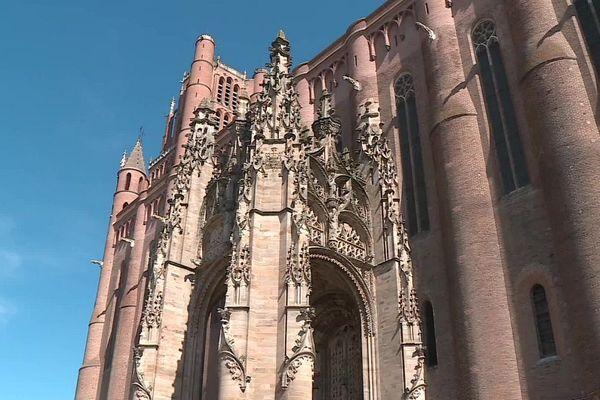 La cathédrale d'Albi, classée au patrimoine mondial de l'Unesco avec le palais de la Berbie et le vieil Albi, est l'un des sites touristiques les plus visités en Occitanie.