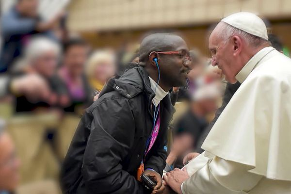 Emmanuel Abayisenga avait eu l'occasion de rencontrer le pape François à Rome
