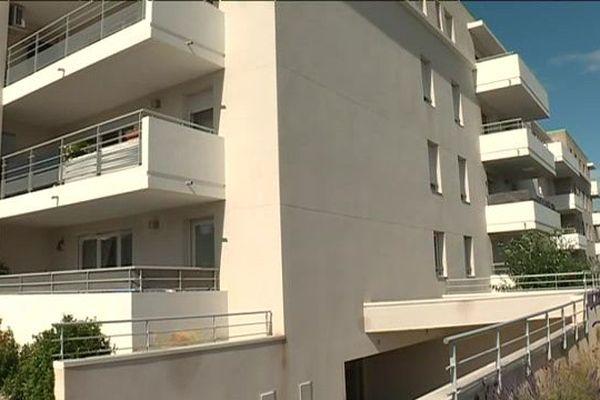 """C'est dans cette résidence que le """"violeur des balcons"""" aurait commis son premier viol en août 2013"""