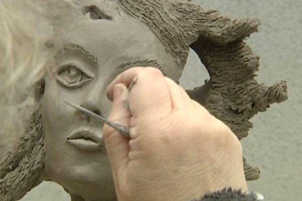 La céramiste Sylvie Maniquet-Chastenet présentera son travail ce week-end au pôle des métiers d'art du 5 rue de la Règle à Limoges