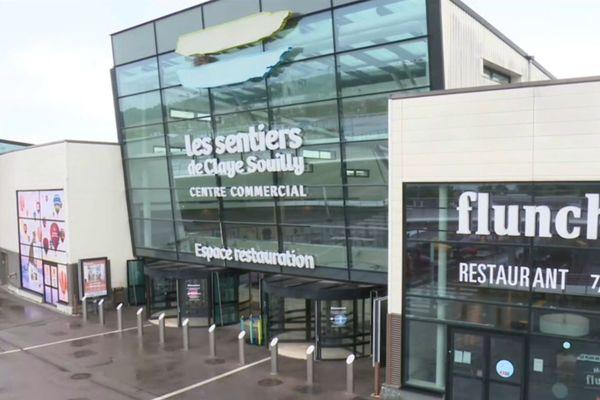Le centre commercial, deux jours après l'agression.