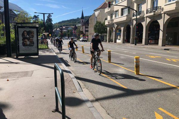 Une piste cyclable post-confinement mise en place à l'été 2020 à Annecy était déjà vivement critiquée par les commerçants.