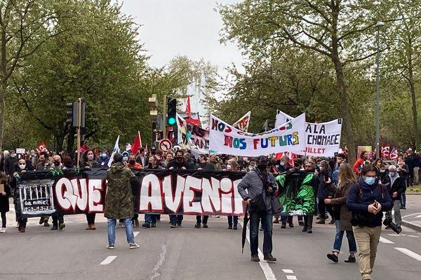 1500 personnes se sont rassemblées à Dijon pour manifester.